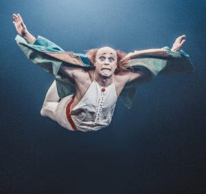 anatoli-akerman-clown-theatre-kuku-flying